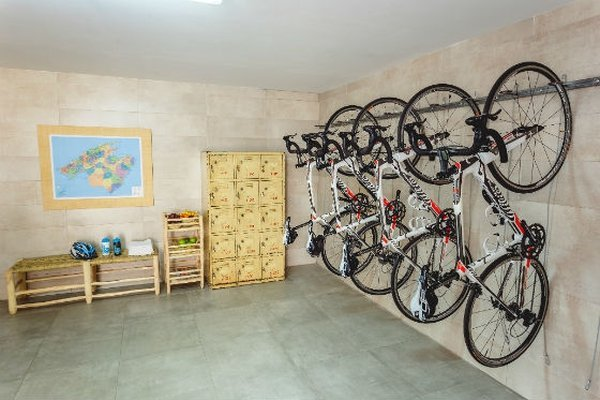 Installations for cyclists MySeaHouse Flamingo Hotel Playa de Palma